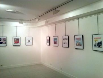 """Montaje en Basauri de la exposición de viñetas sobre la crisis """"Sálvese quien podamos"""""""
